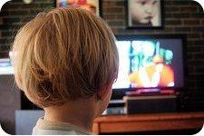 ¿Qué tamaño de la TV elegir? Tamaño de la pantalla según la distancia de visualización. Foto por Axel Bührmann