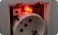 Eliminar indicadores luminosos de los enchufes